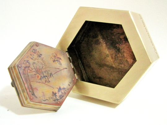 Honey Bee Box Open