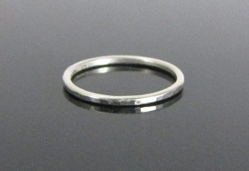simple-hammered-ring-05-dark