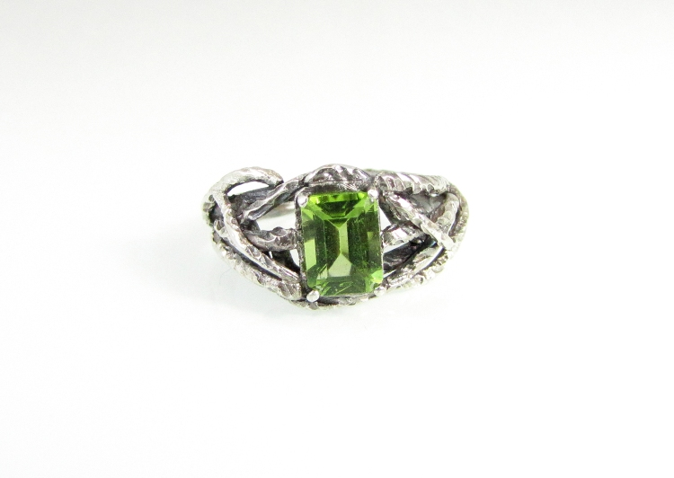 Branch Wedding Ring Peridot 1
