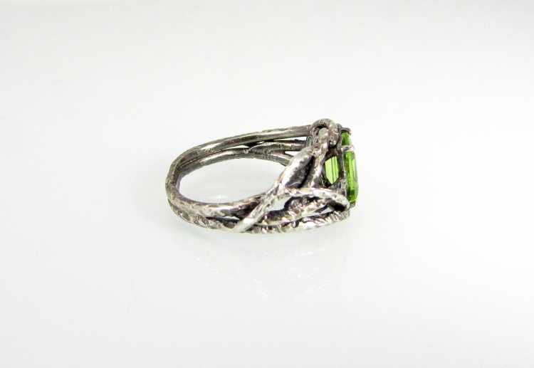 Branch Wedding Ring Peridot 2